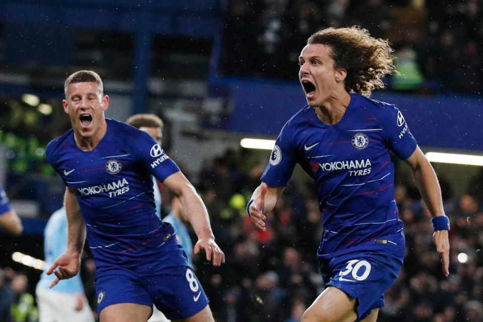 David Luiz celebrates his winner at Stamford Bridge