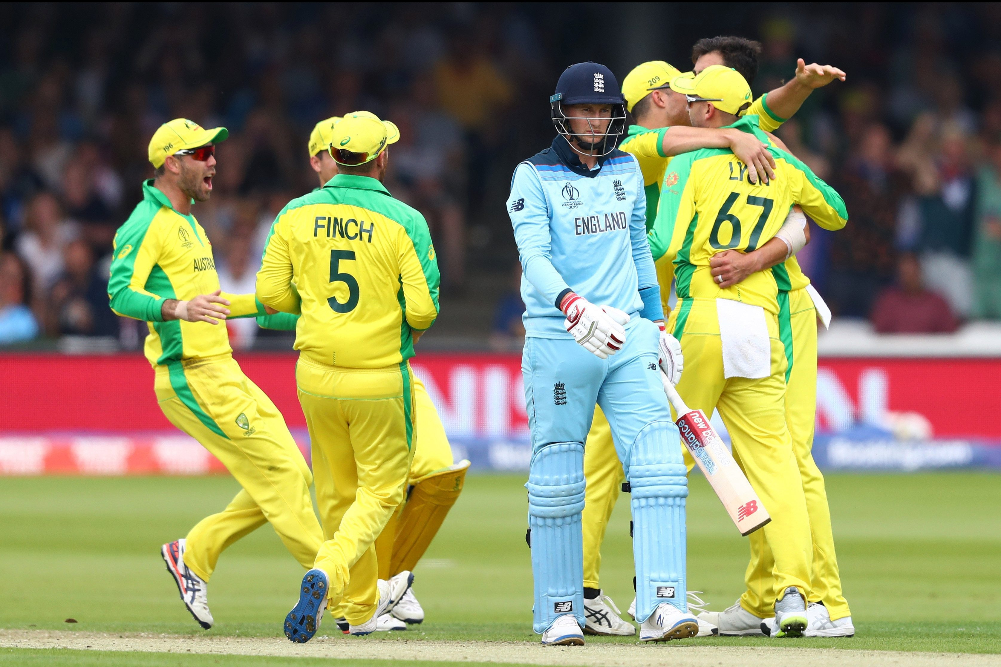 Australia beat England in the group stages of the Cricket World Cup